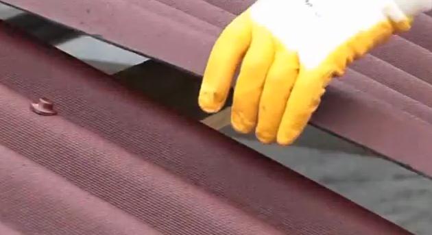 Bitumenes hullámlemez leadása